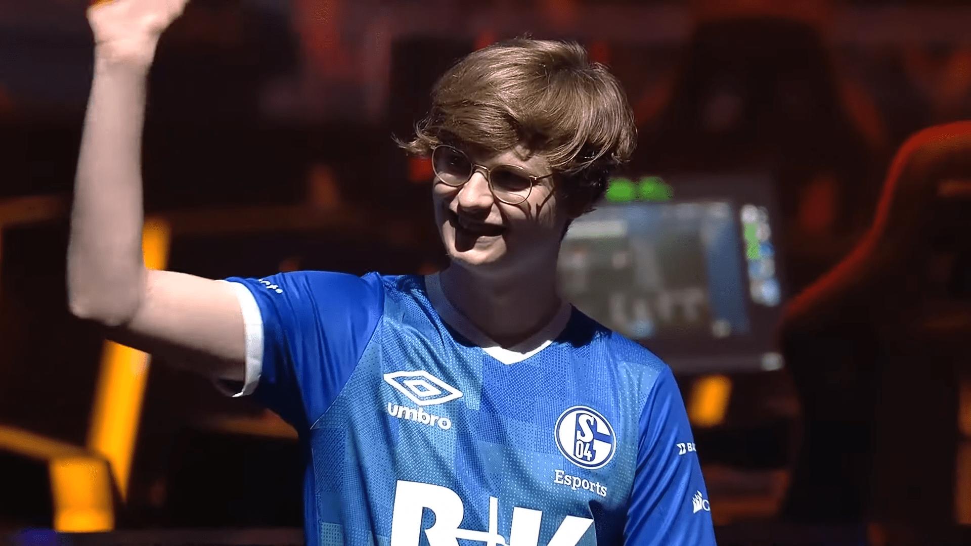 League Of Legends Team Schalke 04 Parts Ways With ADC Player, Elias 'Upset' Lipp