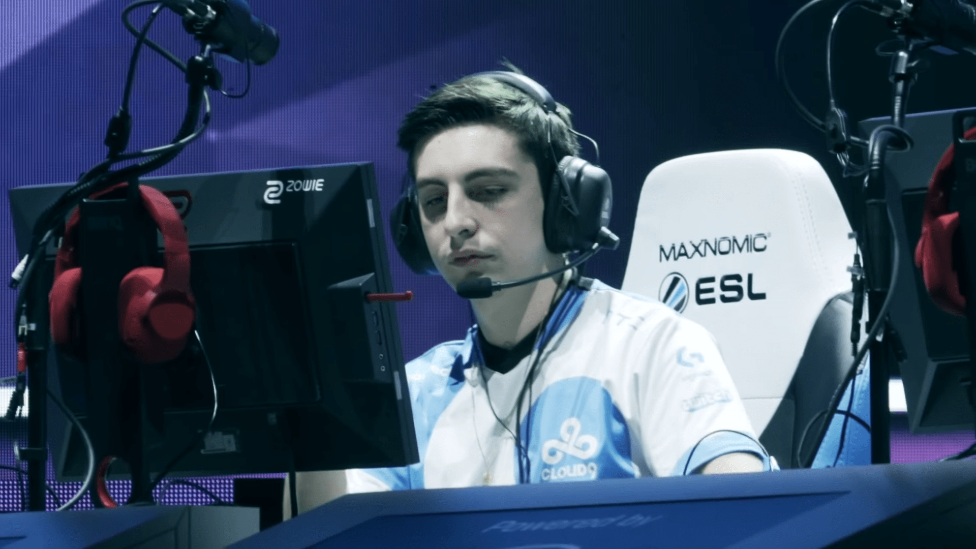 Shroud Returns To Twitch With 500,000 Viewers And 13,000 Subscribers In The First Minutes Of His Comeback Stream