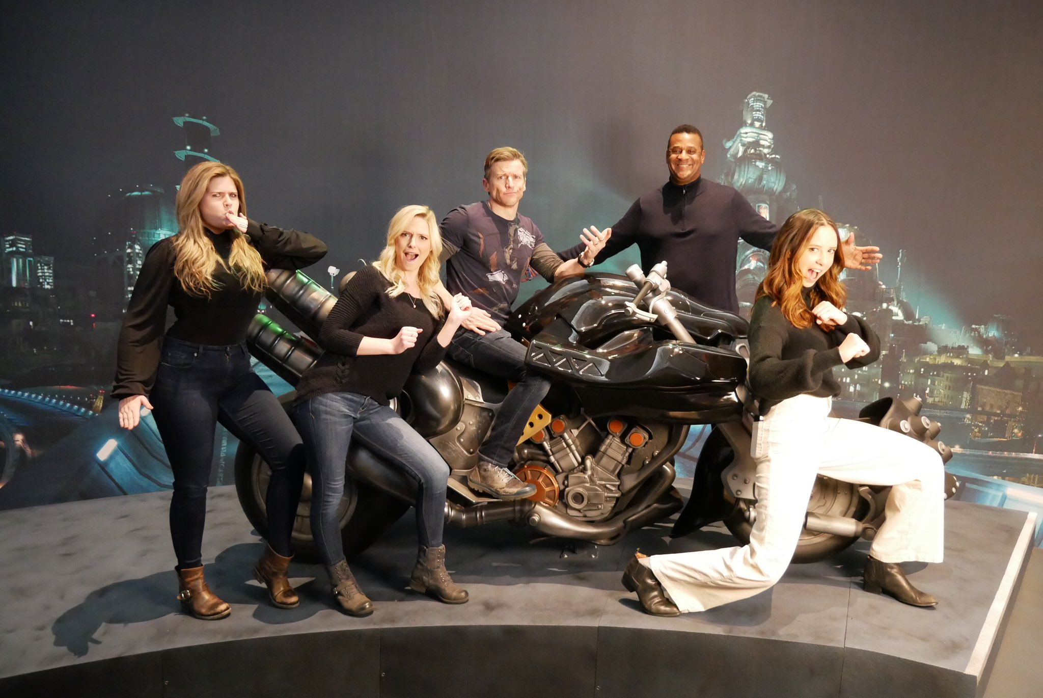 Members Of Final Fantasy VII Remake's English Voice Cast Assemble At PAX East For A Photo With Cloud's Motorcycle