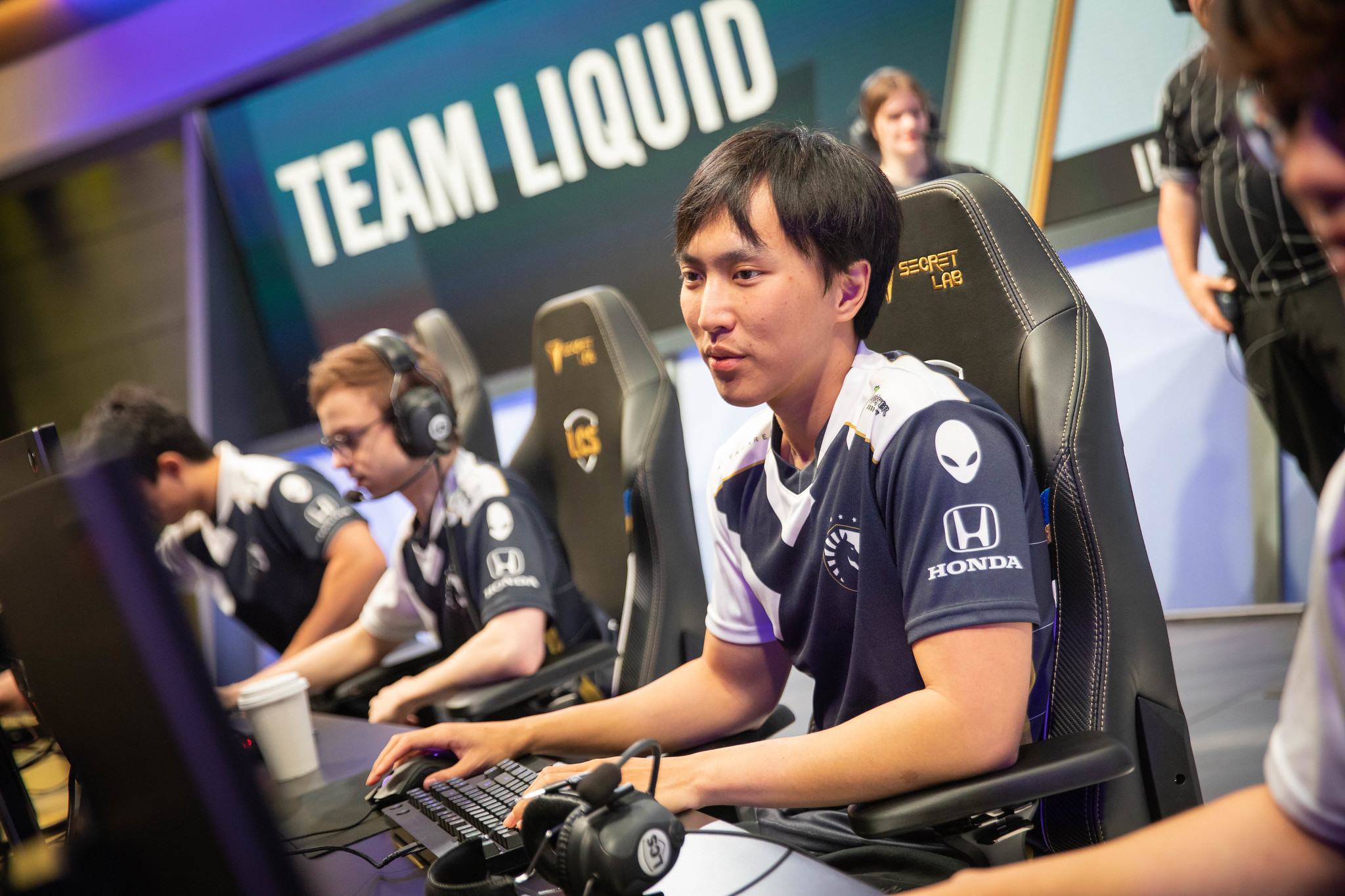 Doublelift Is Unaware About Cloud9 Not Wanting To Scrim Team Solo Mid According To Travis Gafford