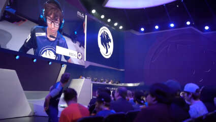 OWL  - DPS Player Jaru And Off-tank Bischu Bid Farewell To The Los Angeles Gladiators